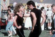 Το σύνολο που φορούσε η Ολίβια Νιούτον-Τζον στην ταινία Grease πωλήθηκε για 405.700 δολάρια