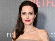 Angelina Jolie - O αυστηρός όρος που της επέβαλε στο διαζύγιο o Brad Pitt