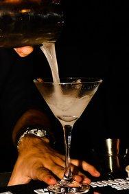 Quinta Jazz Bar & Restaurant - Μια βραδιά με μουσικούς αυτοσχεδιασμούς του Δήμου Μπέκε