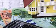 ΕΝΦΙΑ: Στο τραπέζι νέα μείωση του φόρου στα ακίνητα