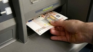 Μεσολόγγι: Άρπαξε 50 ευρώ από γυναίκα την ώρα που έκανε ανάληψη από ΑΤΜ