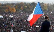 Πάνω από 200.000 πολίτες βγήκαν στους δρόμους της Τσεχίας