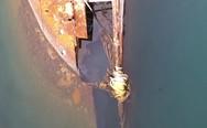 Το πλοίο 'παλάτι' που βρίσκεται μισοβυθισμένο στην Ελευσίνα (video)