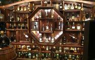 Βιετναμέζος διαθέτει την πολυτιμότερη συλλογή σπάνιων ουίσκι στον κόσμο