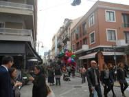 'Ψήνεται' το γιορτινό κλίμα στην αγορά και στο κέντρο της Πάτρας