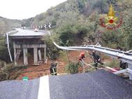 Ιταλία: Κατέρρευσε γέφυρα εξαιτίας της βροχόπτωσης
