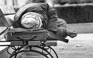 Πάτρα: Συγκινεί η ιστορία του άστεγου που έφυγε μόνος και αβοήθητος
