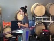 Έκανε χούλα χουπ επί 100 ώρες (video)