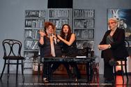 Η παράσταση 'Harvey - Ο καλύτερος μου φίλος' μέσα από την κριτική του Σταύρου Ιντζεγιάννη