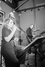 "Mikaela Darmani Live - ""Mona dates Dali"" at Quinta Jazz Bar & Restaurant 06-12-19"