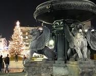 Μαγεία - Το Χριστουγεννιάτικο χωριό και η πλατεία Γεωργίου πήραν το φως των Χριστουγέννων (pics)