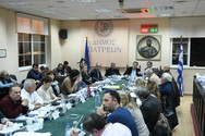 Πάτρα: Εντάσεις και αποχωρήσεις από το Δημοτικό Συμβούλιο για τα δημοτικά τέλη