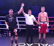 Εξαιρετική εμφάνιση για τον Πατρινό Τάσο Μπερδέση στο Premium Boxing Event!