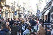 Πάτρα: Στo ίδιο επίπεδο με πέρυσι η εμπορική κίνηση στην πρεμιέρα της γιορτινής περιόδου