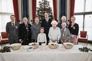 Η βασιλική οικογένεια φτιάχνει πουτίγκα στο παλάτι! (φωτο)