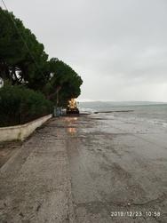 Πάτρα: Tα συνεργεία του Δήμου καθάρισαν τους παραλιακούς δρόμους (φωτο)