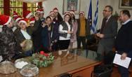 Έψαλλαν τα κάλαντα στον Δήμαρχο Ερυμάνθου (φωτο)