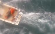 Δραματική διάσωση σέρφερ που τον είχε δαγκώσει καρχαρίας (video)