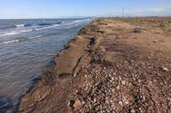 Δυτική Ελλάδα - Η θάλασσα 'έφαγε' ένα μεγάλο κομμάτι της ακτής στο Κοτύχι (φωτό)
