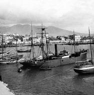 Ιστιοφόρα και μηχανοκίνητα πλοία στο λιμάνι της Πάτρας!