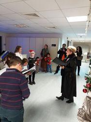 Πάτρα - Οι ασθενείς του Νοσοκομείου 'Άγιος Ανδρέας', άκουσαν τα κάλαντα των Φώτων! (φωτο)