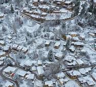 Τρίκαλα Κορινθίας - Το απόλυτο χειμερινό resort ντύθηκε στα λευκά (φωτo)