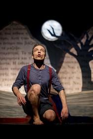 """""""Ένα παιδί μετράει τ' άστρα"""" - Ένα ξεχωριστό έργο στο θέατρο Απόλλων"""