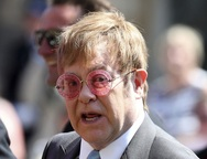O Έλτον Τζον δώρισε 1 εκατ. δολάρια στην Αυστραλία!