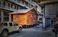 Η φάτνη μαζί με το χριστουγεννιάτικο χωριό της Πάτρας αποσύρονται