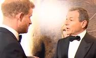 Η στιγμή που ο πρίγκιπας Χάρι ζητά δουλειά για τη Μέγκαν Μαρκλ από το αφεντικό της Disney (video)
