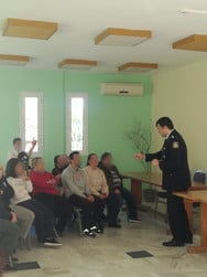 Πάτρα - Αξιωματικοί της ΕΛ.ΑΣ. εκπαίδευσαν φιλοξενούμενους στο Θ.Π.Κ. «Η Μέριμνα» (φωτο)