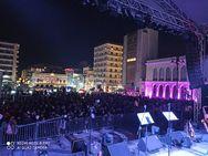 Λίγο πριν την έναρξη του Πατρινού Καρναβαλιού - Κόσμος στην πλατεία Γεωργίου (φωτο)