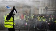Βίαιη τροπή πήρε κινητοποίηση των «κίτρινων γιλέκων» στη Γαλλία (video)