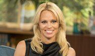 Η Pamela Anderson θυμήθηκε τις 'ένδοξες' ημέρες του Baywatch (video)