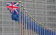 Με υψηλούς δασμούς απειλεί την ΕΕ και τις ΗΠΑ το Λονδίνο