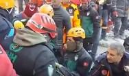 Τουρκία: H στιγμή της διάσωσης γυναίκας από τα χαλάσματα (video)