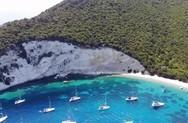 Ένα ταξίδι στα γαλαζοπράσινα νερά της Ατόκου (video)