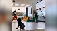 Ο Μέσι μαθαίνει μπάλα στους γιους του (video)