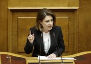 Η Χριστίνα Αλεξοπούλου εισηγείται κίνητρα για τις εργαζόμενες μητέρες