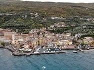 Γνωρίστε το παραλίμνιο Castelletto di Brenzone της ιταλικής λίμνης Garda (video)