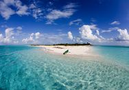 H Airbnb ψάχνει πέντε άτομα για να τα στείλει δύο μήνες στις Μπαχάμες!