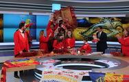 Οι Σοκολατορίχτες της Πάτρας 'γλύκαναν' τα τηλεοπτικά πλατό του Open! (φωτο)