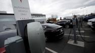 Η Tesla θέλει 'ηλεκτρική λεωφόρο' στην Ελλάδα - Από την Πάτρα μέχρι τον Έβρο