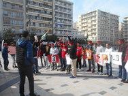 Πάτρα: Πρόσφυγες από το Κασμίρ συγκεντρώθηκαν στην πλατεία Γεωργίου (φωτο+βίντεο)