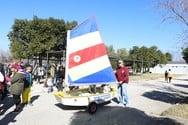 «Ταξιδεύοντας με ανοιχτά πανιά»... Συνδέουμε το καρναβάλι με τον ναυταθλητισμό!