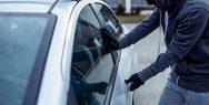 Ηλεία: Είχαν 'ρημάξει' σταθμευμένα αυτοκίνητα