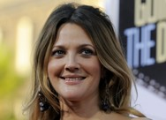 Drew Barrymore - H 'μάχη' της να χάσει κιλά μετά τη γέννηση των παιδιών της (video)
