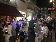 Οι μικροί καρναβαλιστές 'φώτισαν' και 'ξύπνησαν' το κέντρο της Πάτρας! (φωτο)