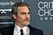 Ο Joaquin Phoenix, παραγωγός ενός ντοκιμαντέρ για τη συναίσθηση των χοίρων (video)