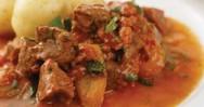 Συνταγή για γκούλας με πιπεριές και βραστές πατάτες